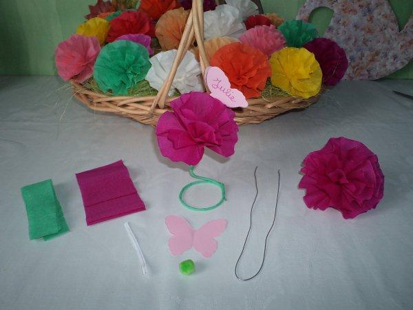 des fleurs en papier cr pon les p 39 tites mains bricoleuses. Black Bedroom Furniture Sets. Home Design Ideas